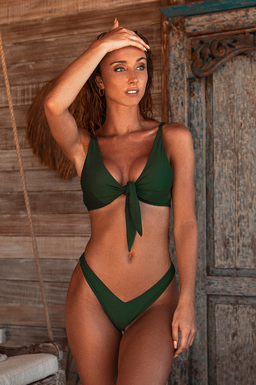 High wasted bottom bikini with knotted top